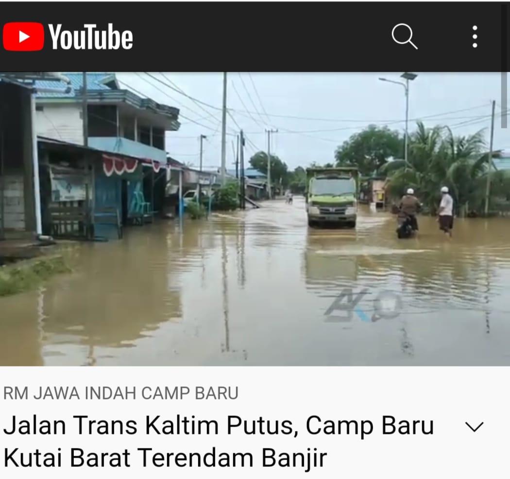 Keterangan Foto : Begini kondisi debit banjir yang merendam akses Trans Kaltim di Kem Baru, Kampung Muara Tae, Kecamatan Jempang sehari sebelumnya pada Rabu 15 September 2021. (Foto : Istimewa/Screenshot AJK TV).