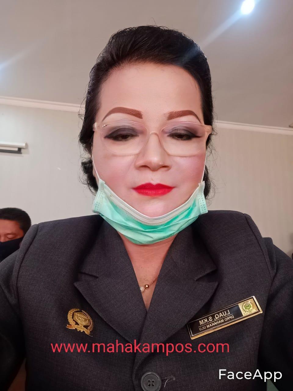 Keterangan Foto : Martina Luaq, S.K.M., Wakil Ketua Komisi 2 DPRD Mahulu periode 2019 – 2024, Bidang Ekonomi dan Keuangan. (Foto-foto : Dokumen Mahakam Pos)